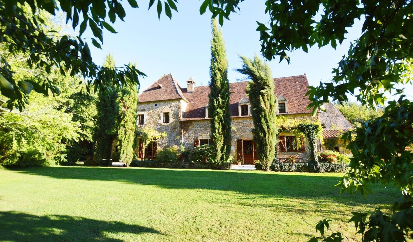 immobilier luxe Sarlat La Caneda : comment bien choisir son immobilier ?